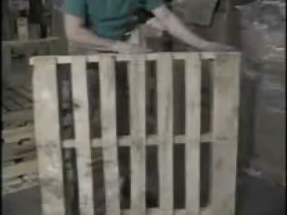 safe handling of wood pallets